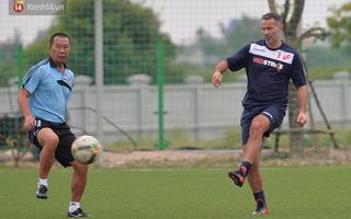 Những pha bóng của Giggs và Scholes trong trận giao hữu ở Việt Nam