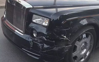 """Bị đâm vỡ đầu xe, chủ Rolls-Royce nói với tài xế Hyundai: """"Bán nhà đi"""""""