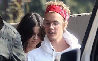 Gia đình tuyên bố không chấp nhận Justin Bieber, Selena vẫn tiếp tục sánh đôi bên bạn trai cũ
