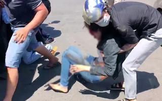 Xe khách vượt đèn đỏ gây tai nạn kinh hoàng ở Bình Dương: 2 cô gái bị cuốn vào gầm, nhiều người nằm la liệt giữa đường