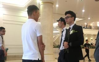 An ninh thắt chặt tại đám cưới của Á hậu Tú Anh, chú rể tự đi xác minh khách mời