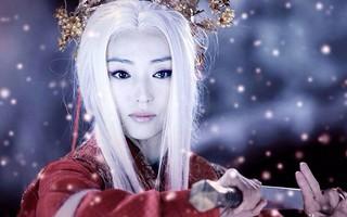 Sư tổ của Tiểu Long Nữ đẹp u buồn giữa làn tuyết lạnh