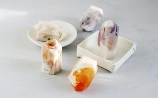 Tự tạo xà phòng hình viên đá màu đẹp lung linh
