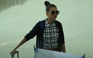 """Thanh Hằng tươi rói tại sân bay giữa """"tâm bão"""" scandal"""
