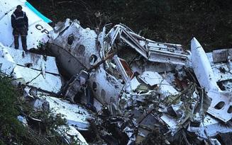 Tiết lộ gây sốc về nguyên nhân khiến máy bay chở đội bóng Brazil rơi ở Colombia