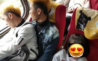 Ấm lòng câu chuyện 2 lao động Việt Nam nhường ghế cho em bé Đài Loan trên chuyến tàu Tết khiến cư dân mạng xúc động