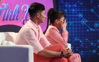 Tần số tình yêu: Việt Hương xúc động đến bật khóc khi nghe nam ca sĩ thần tượng kể về tuổi thơ khó khăn