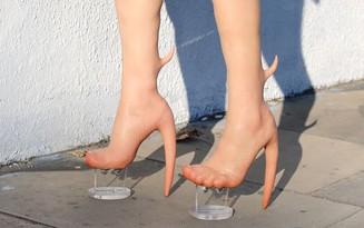 Boots Gà chín cựa giá 200 triệu dành cho các nàng muốn làm Mị Nương thời hiện đại