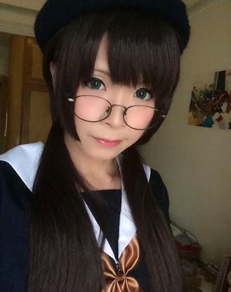 Tin nổi không: Cô gái cosplay xinh đẹp này thật ra là một thầy giáo