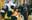Chùm ảnh: Tiệm vàng ở Sài Gòn quá tải ngày Thần tài, nhân viên giao dịch với khách hàng từ bên ngoài