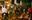 Chùm ảnh: Sợ ế hoa 8/3, sinh viên Sài Gòn tràn xuống lòng đường cố mời khách ghé mua