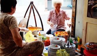 """Sài Gòn có những quán ăn khiến khách """"chóng mặt"""" vì tốc độ bán hàng, không nhanh sẽ nhận ngay vé """"chúc may mắn lần sau"""""""