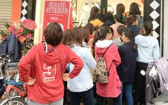 Giới trẻ nhộn nhịp chào đón Jasmine khai trương cửa hàng thứ 7