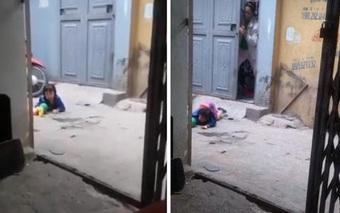 Phẫn nộ clip em bé bị mẹ đánh ở siêu thị tiếp tục bị bỏ mặc ngoài đường, nằm khóc nức nở