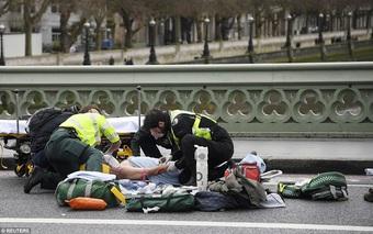 Cảnh sát xác nhận 2 người thiệt mạng trong vụ lao xe, nổ súng bên ngoài tòa nhà Quốc hội Anh