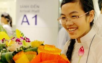 """""""Cô gái vàng"""" Vật lý lớn lên từ gánh phở trở thành nữ sinh duy nhất đạt gương mặt trẻ Việt Nam tiêu biểu"""