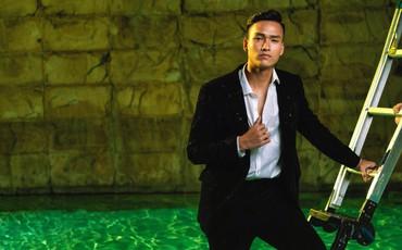 Trung vệ hot boy của U19 Việt Nam cao 1m8 và rất điển trai
