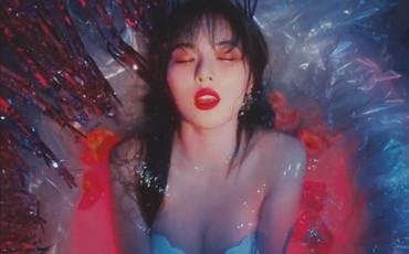 """Nhóm của HyunA tung MV mới: Người khoe vòng một căng tràn, kẻ hớ hênh suýt """"lộ hàng"""""""