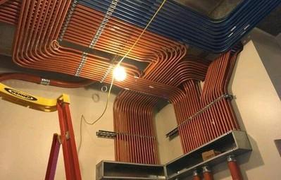 Ngắm 14 đường ống được lắp đặt chuẩn như xếp lốp