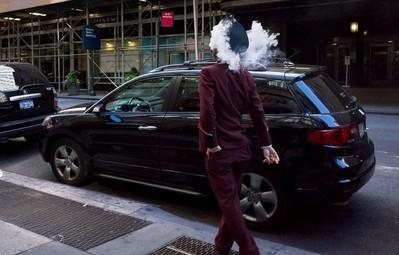 Những khoảnh khắc tình cờ thật bất ngờ lọt vào ống kính của nhiếp ảnh gia đường phố