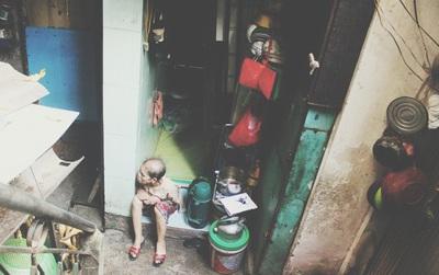 """Ngôi nhà """"bé như mắt muỗi"""" ngay giữa Hà Nội: Rộng 4m2, có 5 người sinh sống"""