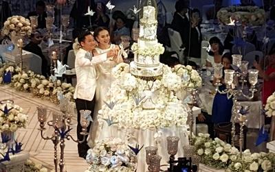 Đám cưới MC Mai Ngọc: Không gian lộng lẫy, cầu kỳ, xứng đáng là đám cưới sang chảnh nhất Hà Nội hôm nay
