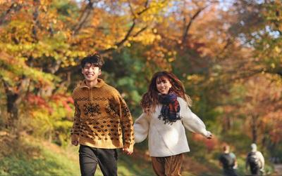 """Ai mà chẳng """"ghen tị """"với MIN vì những hình ảnh ngọt ngào thế này bên soái ca Hàn Quốc"""