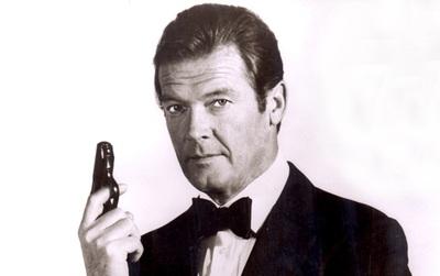 Roger Moore - Tạm biệt chàng điệp viên hào hoa nhất trong các thế hệ James Bond
