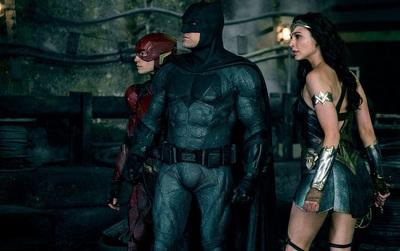 """""""Justice League"""" mở màn đáng thất vọng ngay tại sân nhà Bắc Mỹ"""
