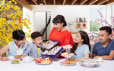 Việt Hương gửi lời chúc đến khán giả nhân dịp đầu năm