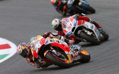 Hòa nhịp sôi động cùng chặng 8 giải đua MotoGP tại phố đi bộ Tạ Hiện