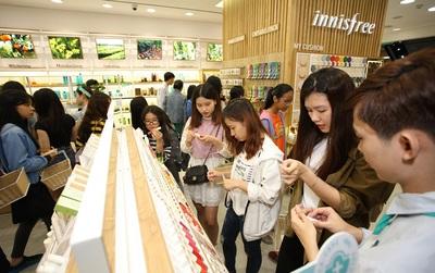 innisfree khai trương cửa hàng thứ 2 tại Vincom Đồng Khởi thu hút các tín đồ mỹ phẩm đến khám phá