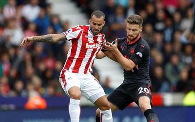 TRỰC TIẾP Stoke 0-0 Arsenal (Hiệp 2): Ăn miếng trả miếng