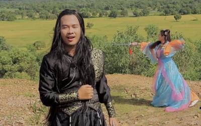 """""""Sặc cười"""" trước màn cosplay kiếm hiệp của Tài Smile trong MV mới"""