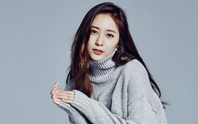 Trong khi Amber bức xúc vì không được hoạt động, Krystal lại được SM cho ra mắt solo?
