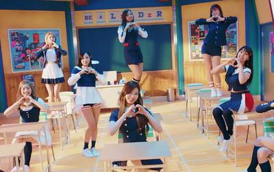 Sao bài hát của JYP dở mà TWICE lại chọn để quảng bá?