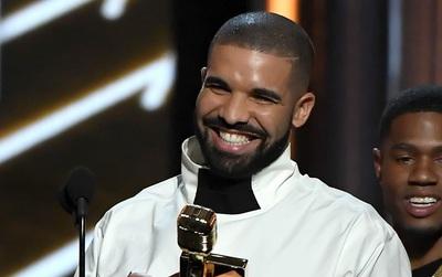 Drake thắng lớn tại Billboard Music Awards 2017, chính thức hạ bệ Adele
