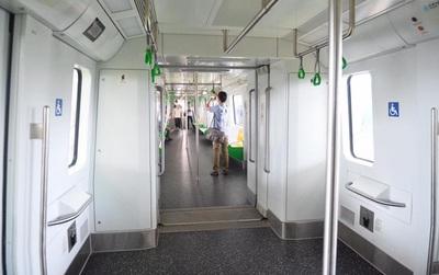 Bên trong đoàn tàu đường sắt trên cao đầu tiên của tuyến đường sắt Cát Linh - Hà Đông