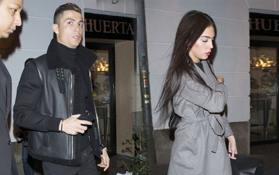 """Ronaldo và """"Tháng Giêng là tháng ăn chơi"""""""