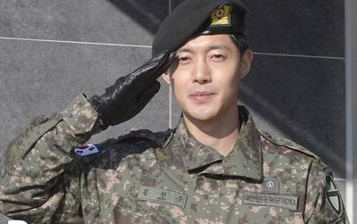 Vừa xuất ngũ được 1 tháng, Kim Hyun Joong đã bị treo bằng vì lái xe say xỉn
