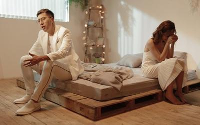 """Sau hit """"Yêu là tha thu"""", Only C ra mắt MV kể về chuyện tình bị ngăn cách bởi cái chết"""