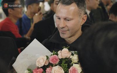 Giggs và Scholes cười rạng rỡ khi sang Việt Nam, làm Giám đốc bóng đá PVF
