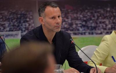 """Scholes, Giggs: """"Việt Nam có thể dự World Cup 2030"""""""