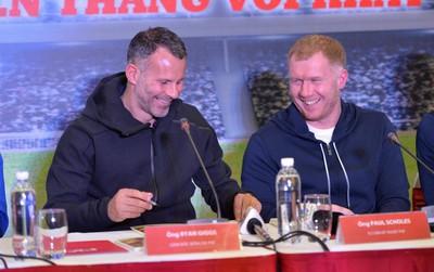 Giggs, Scholes dự khán trận U15 PVF vô địch Cúp tứ hùng