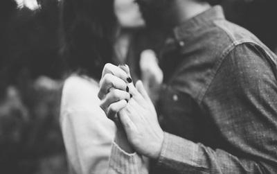 Đừng sợ tuổi già, đừng sợ cô đơn, cũng đừng bao giờ đánh mất niềm tin vào tình yêu