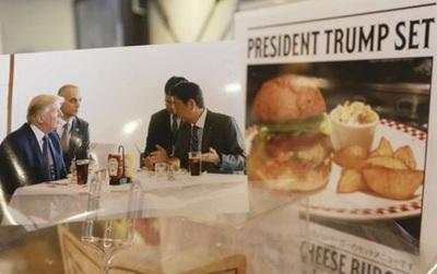 """Tương tự hiện tượng """"bún chả Obama"""" ở Việt Nam, người Nhật đang nô nức xếp hàng đi ăn """"burger Tổng thống Trump"""""""