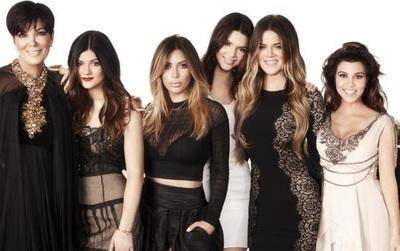 Mẹ của chị em Kardashian bị bóc trần quá khứ ngoại tình liên tục suốt nhiều đời chồng