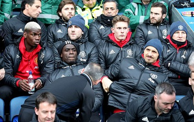 Cho hàng loạt sao ngồi dự bị, Man Utd đi vào lịch sử Cúp FA