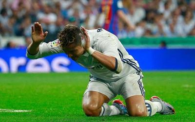 HLV Zidane gạch tên Ronaldo khỏi đội hình Real Madrid