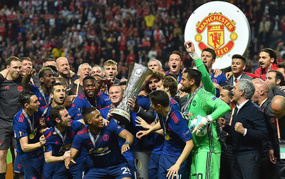 Man Utd công bố doanh thu kỷ lục mùa 2016/17